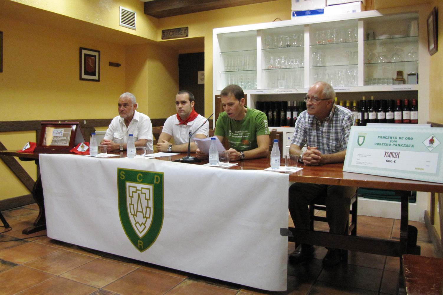 anaitasuna Pancarta de Oro 2014