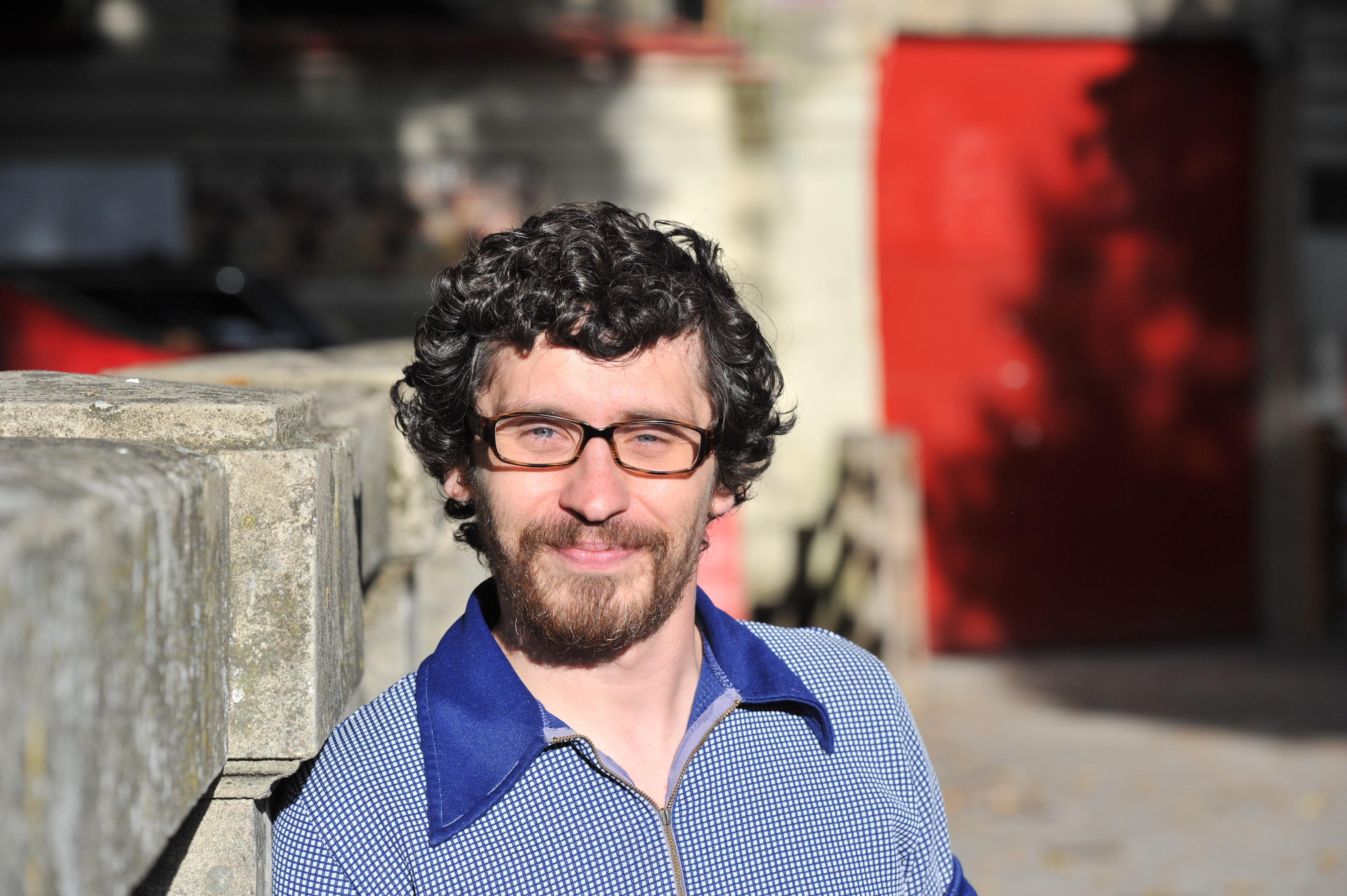 Bill Hillman en el callejón de la plaza de toros de Pamplona. Cerca de donde sufrió la cornada. Foto Mikel Ciaurriz