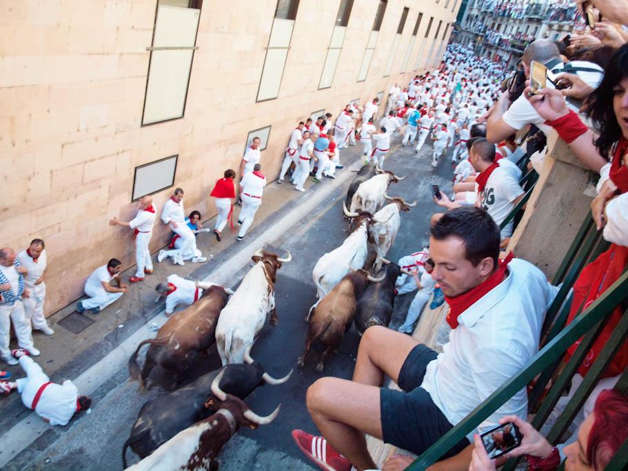El encierro desde la calle Santo Domingo