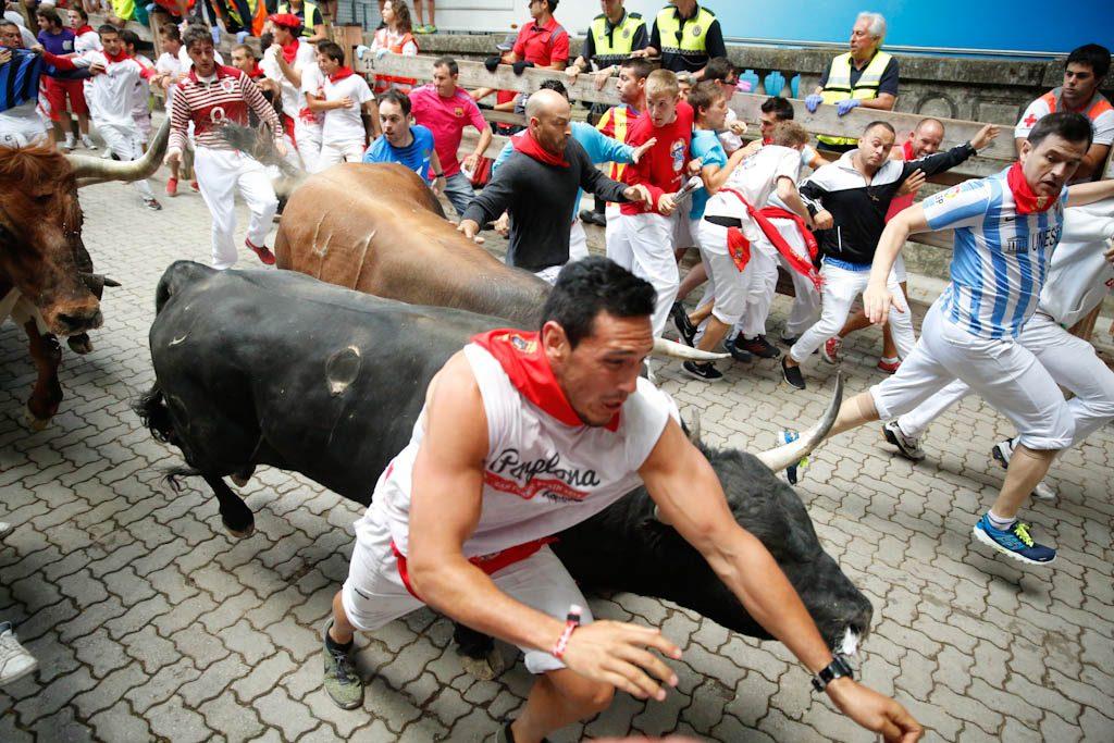 Los toros pueden ser más rápidos que el hombre en linea recta.