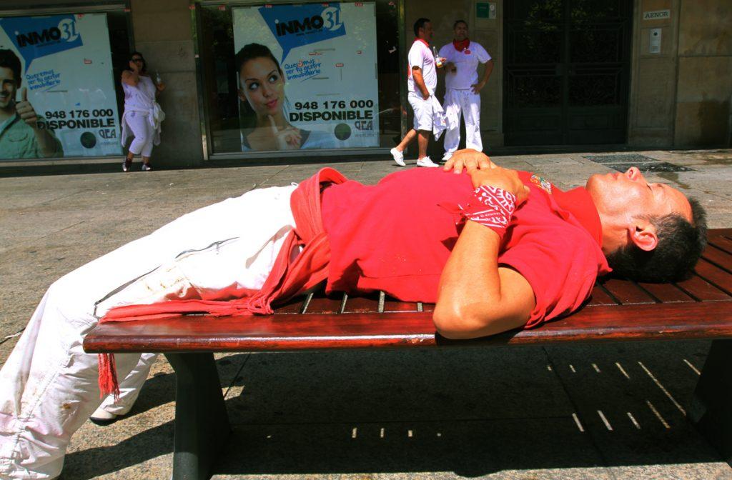 © Maite H Mateo. La espalda siempre recta, aunque duermas en cualquier parte.