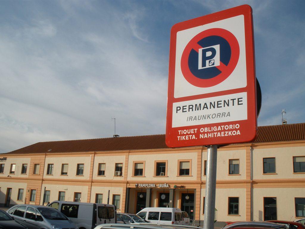 zona_roja_train_station_pamplona.g