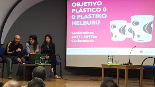 Presentación de la iniciativa del vaso reciclable con Armando Cuenca.
